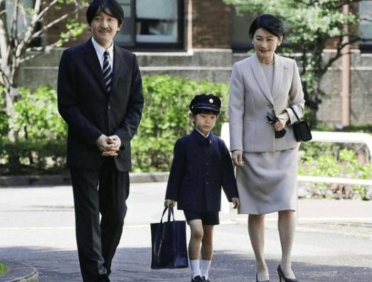 秋篠宮御一家、紀子さまは将来の天皇陛下の悠仁殿下を一番に考えている