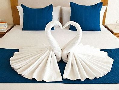 ホテルのアメニティ, バスローブやタオル
