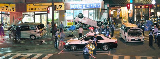 福岡,交通事故,プリウス,衝突
