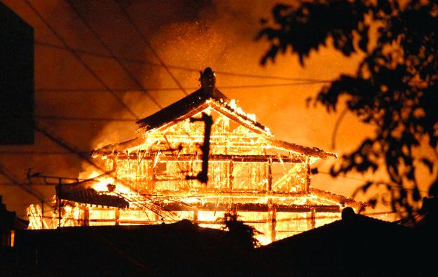 首里城の出火原因は?放火?それとも自然発火?