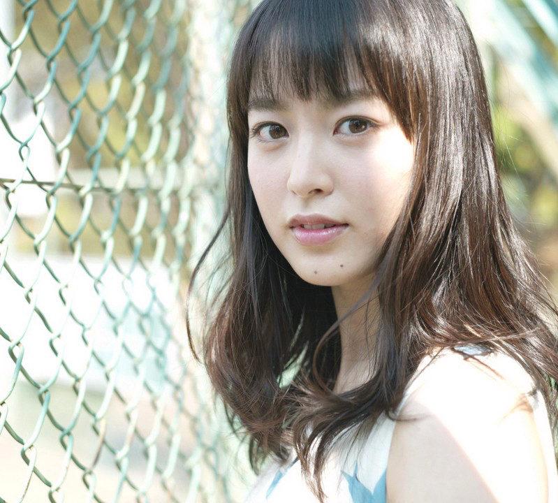 朝倉あきのすっぴん画像や声が可愛い!活動休止の理由は結婚だった?