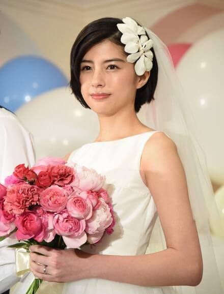 佐久間由衣の手料理で綾野剛がベタ惚れ!熱愛彼氏と結婚?